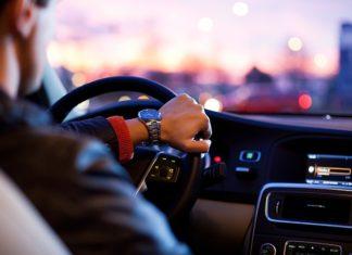 Jak rozkodować radio samochodowe