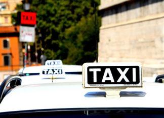 W jaki sposób rozpoznać prawdziwą taxi w Warszawie?